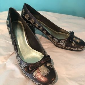 Franco Sarto bronze embroidered pumps 8.5M